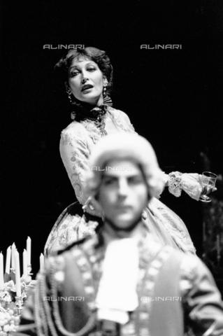PAQ-F-000746-0000 - L'attrice Marianella Laszlo in scena - Data dello scatto: 1970-1979 - Archivi Alinari, Firenze