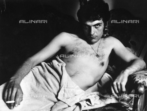 PAQ-F-000816-0000 - Nudo maschile disteso - Data dello scatto: 1980 ca. - Archivi Alinari, Firenze