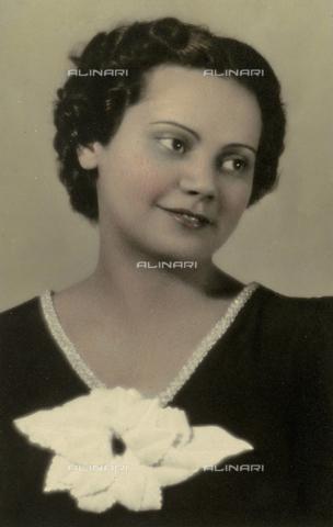 PAQ-F-000950-0000 - Giovanna Pozzar - Data dello scatto: 1930 ca. - Archivi Alinari, Firenze
