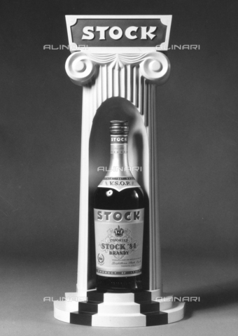 PAQ-F-001132-0000 - Bottle of brandy Stock 84 - Data dello scatto: 1978 - Archivi Alinari, Firenze