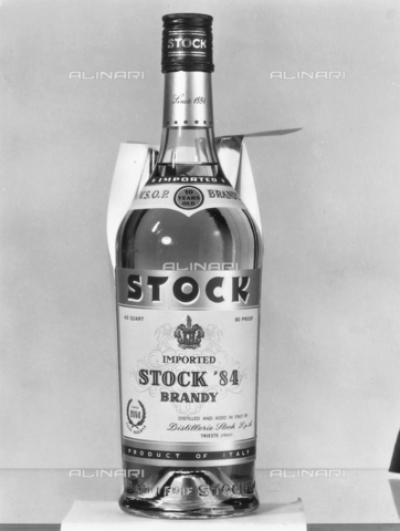 PAQ-F-001141-0000 - A bottle of brandy Stock 84 - Data dello scatto: 1966 - Archivi Alinari, Firenze