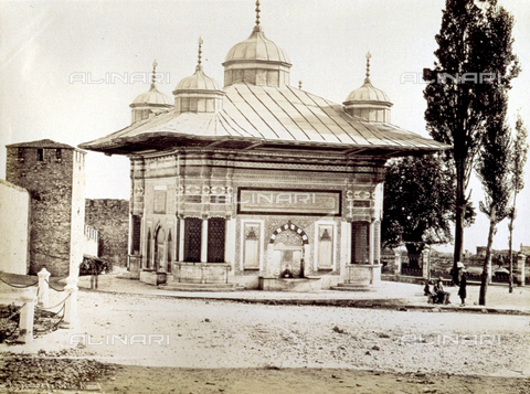 PDC-A-004568-0017 - Veduta della fontana di Ahmet III, a Istanbul - Data dello scatto: 1870-1875 ca. - Archivi Alinari-collezione Palazzoli, Firenze