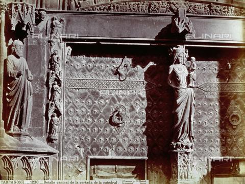 PDC-A-004568-0058 - Particolare del portale della Cattedrale di Tarragona, in Spagna - Data dello scatto: 1870-1880 ca. - Archivi Alinari, Firenze