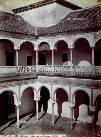 PDC-A-004568-0065 - Scorcio del cortile della Casa de las Duenas, a Siviglia - Data dello scatto: 1870-1880 ca. - Archivi Alinari, Firenze