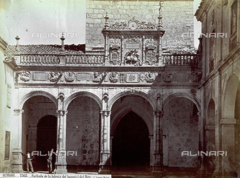 PDC-A-004568-0093 - Veduta di una delle facciate dell'Hospital del Rey' presso Burgos - Data dello scatto: 1875-1880 ca. - Archivi Alinari, Firenze