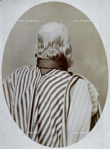 PDC-A-004570-0004 - Ritratto a mezzo busto di spalle di Giuseppe Garibaldi - Data dello scatto: 1873-1875 - Archivi Alinari, Firenze