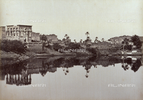 PDC-A-004574-0051 - Trajan's Kiosk', on the island of Philae, bathed by the waters of the Nile - Data dello scatto: 1870-1880 ca. - Archivi Alinari, Firenze