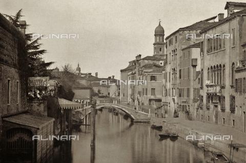 PDC-A-005940-0038 - Veduta del Rio dei Santi Gervasio e Protasio, Venezia - Data dello scatto: 1890-1895 - Archivi Alinari, Firenze