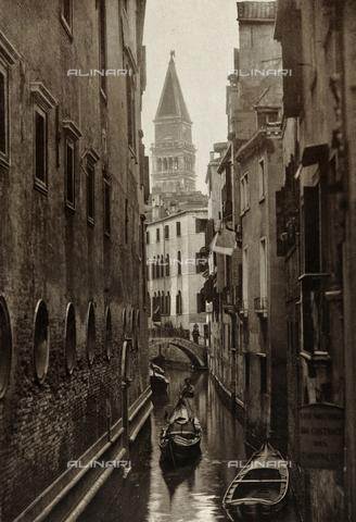 PDC-A-005940-0098 - Veduta animata di Rio di San Salvador a Venezia - Data dello scatto: 1890-1895 - Archivi Alinari, Firenze