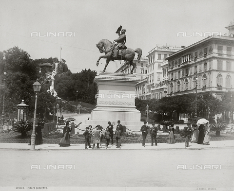 PDC-F-001543-0000 - Piazza Corvetto in Genoa with the monument to Victor Emmanuel II. On the left, the gardens. On the right elegant buildings. Numerous people are standing before the pedestal of the sculpture - Data dello scatto: 1865 -1885 ca. - Archivi Alinari, Firenze