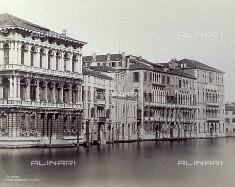 PDC-F-001634-0000 - View of Ca' Rezzonico and Ca' Foscari on the Grand Canal in Venice - Data dello scatto: 1860-1880 ca. - Archivi Alinari, Firenze