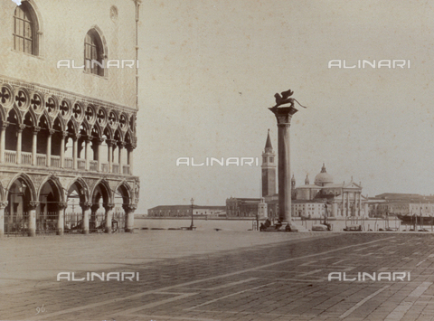 PDC-F-001643-0000 - Piazzetta San Marco with the Island of San Giorgio in Venice. To the left, a part of Palazzo Ducale; at the center, the column with the Lion of St. Mark - Data dello scatto: 1860-1876 ca. - Archivi Alinari, Firenze