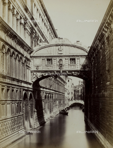 PDC-F-001646-0000 - The Bridge of sighs in Venice. To the left, Palazzo Ducale; to the right, the Prigioni Nuove - Data dello scatto: 1860-1880 ca. - Archivi Alinari, Firenze