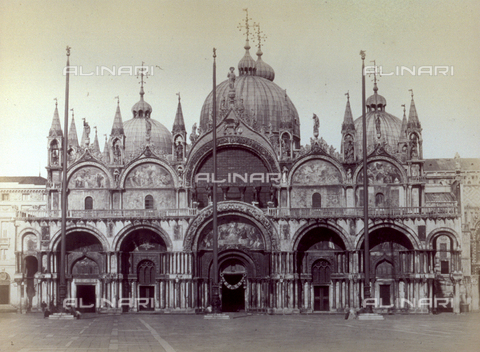 PDC-F-001649-0000 - Facade of the Basilica of San Marco in Venice - Data dello scatto: 1860-1880ca. - Archivi Alinari, Firenze