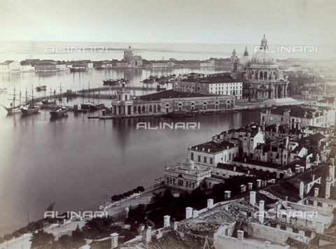 PDC-F-001652-0000 - Panorama, from the bell tower of San Marco, of the basin of San Marco in Venice - Data dello scatto: 1860 ca. - Archivi Alinari, Firenze