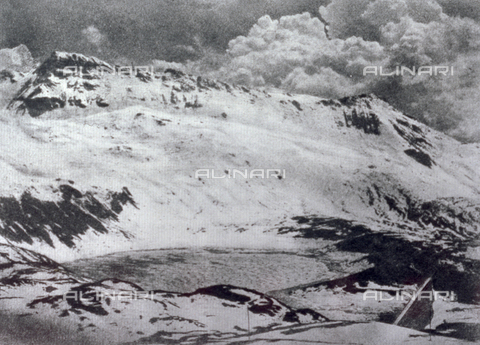 PDC-F-001700-0000 - The Goillet glacier in Val d'Aosta - Date of photography: 1920-1940 ca. - Alinari Archives-Palazzoli Collection, Florence