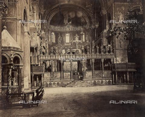 PDC-F-001740-0000 - Interior of the Basilica of San Marco in Venice. View of the presbytery from the nave - Data dello scatto: 1860-1870 ca. - Archivi Alinari, Firenze