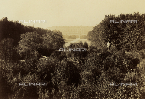 PDC-F-001818-0000 - The park of the 'Reggia' of Caserta. The 'Reggia', in the background - Data dello scatto: 1862 - Archivi Alinari, Firenze