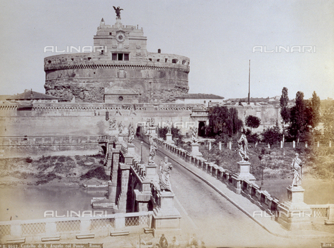 PDC-F-001841-0000 - Castel Sant'Angelo and the bridge decorated with statues, in Rome - Data dello scatto: 1860 - 1880 ca. - Archivi Alinari, Firenze