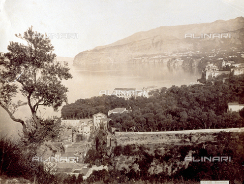 PDC-F-001861-0000 - Panorama of the gulf of Sorrento from the hill of Capodimonte - Data dello scatto: 1865 -1875 ca. - Archivi Alinari, Firenze