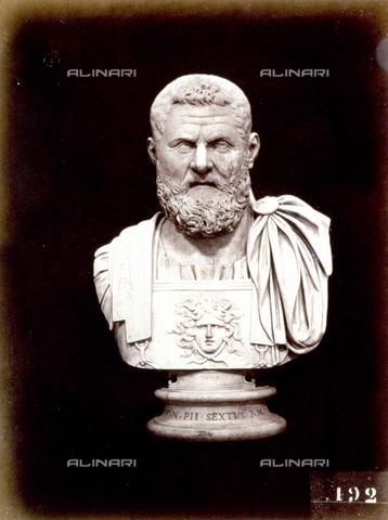 PDC-F-002247-0000 - L'immagine riproduce un busto marmoreo di epoca romana raffigurante un personaggio maschile con barba - Data dello scatto: 1860 -1880 ca. - Archivi Alinari, Firenze