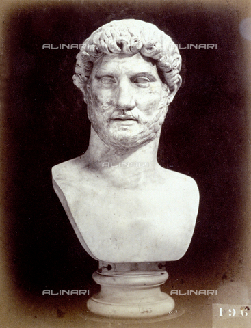 PDC-F-002248-0000 - L'immagine riproduce un busto marmoreo virile di epoca romana - Data dello scatto: 1860 - 1880 ca. - Archivi Alinari, Firenze