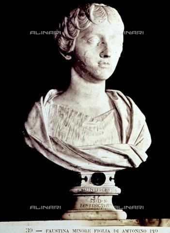 PDC-F-002250-0000 - Busto di Faustina Minore, moglie di Marco Aurelio, conservato nella Sala degli Imperatori del Museo Capitolino di Roma - Data dello scatto: 1860 -1880 - Archivi Alinari, Firenze