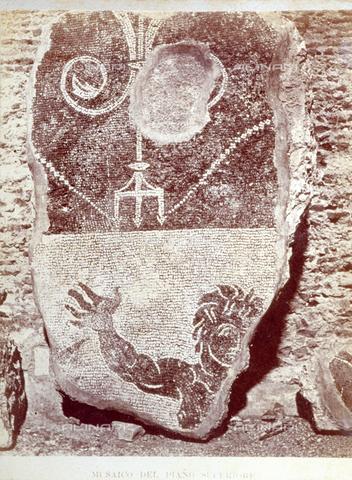 PDC-F-002330-0000 - Frammento di una decorazione musiva di epoca antica. - Data dello scatto: 1860 -1880 - Archivi Alinari, Firenze