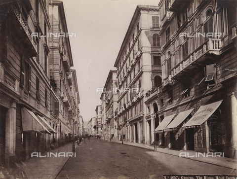 PDC-F-002784-0000 - Via Roma in Genoa, a street lined with elegant Nineteenth century palaces - Data dello scatto: 1870 - 1890 ca. - Archivi Alinari, Firenze
