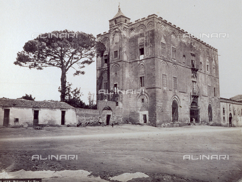PDC-F-002904-0000 - The Zisa in Palermo, the old 'Palace of Delights' of the Norman kings, begun by William I (1154-60) and finished by his son William II - Data dello scatto: 1860-1880 ca. - Archivi Alinari, Firenze