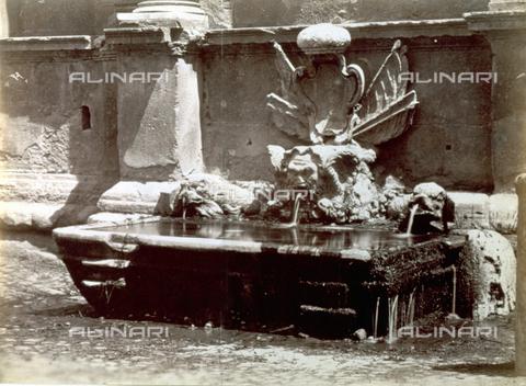 PDC-S-000461-0013 - Fontana di Papa Giulio III in via Flaminia - Data dello scatto: 1870-1890 ca. - Archivi Alinari, Firenze