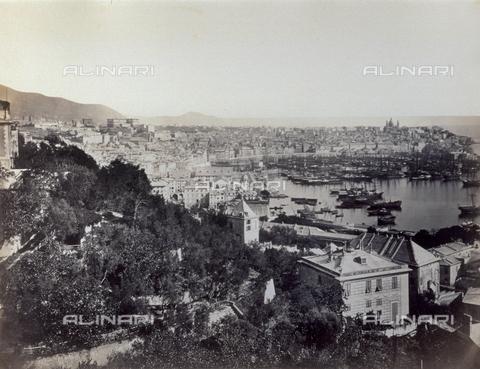 PDC-S-000590-0003 - Panorama of Genoa and the port. - Data dello scatto: 1860 -1870 - Archivi Alinari, Firenze