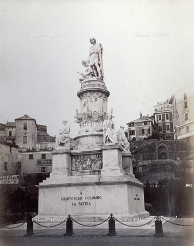 PDC-S-000590-0006 - Monument dedicated to Christopher Columbus. The navigator is portrayed in 15th century clothes with the left arm leaning on an anchor. At the feet/foot of the statue an allegoric female figure. - Data dello scatto: 1860-1870 - Archivi Alinari, Firenze