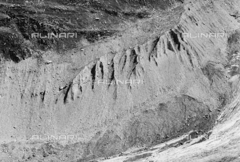 PFA-F-001480-0000 - Morena del monte Roseg, Engadina, Canton dei Grigioni, Svizzera - Data dello scatto: 08/1992 - Archivi Alinari, Firenze