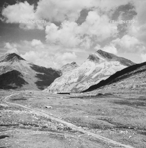 PFA-F-001485-0000 - Veduta del Fluelapass, Engadina, Canton dei Grigioni, Svizzera - Data dello scatto: 08/1993 - Archivi Alinari, Firenze
