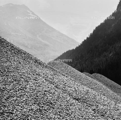 PFA-F-001491-0000 - Le montagne di Pontresina, Engadina, Canton dei Grigioni, Svizzera - Data dello scatto: 08/1993 - Archivi Alinari, Firenze