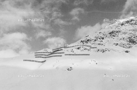 PFA-F-001492-0000 - Paesaggio innevato, Engadina, Canton dei Grigioni, Svizzera - Data dello scatto: 08/1993 - Archivi Alinari, Firenze