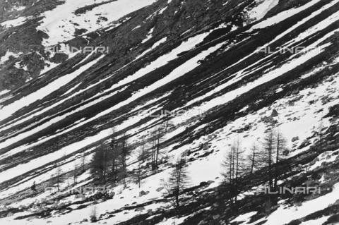 PFA-F-001508-0000 - Paesaggio montano con la neve, Passo dello Julier, Engadina, Canton dei Grigioni, Svizzera - Data dello scatto: 03/1993 - Archivi Alinari, Firenze