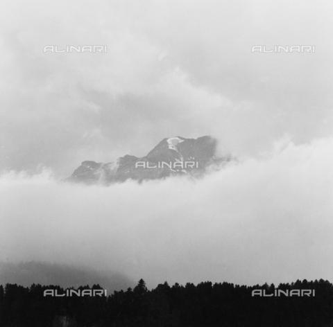 PFA-F-001515-0000 - Nuvole in Val di Sils, Engadina, Canton dei Grigioni, Svizzera - Data dello scatto: 08/1991 - Archivi Alinari-donazione Pittini, Firenze