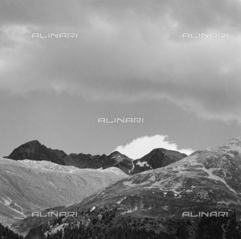 PFA-F-001518-0000 - Monti di Murail, Engadina, Canton dei Grigioni, Svizzera - Data dello scatto: 07/1991 - Archivi Alinari, Firenze