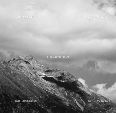 PFA-F-001523-0000 - Montagne del passo dell'Albula, Engadina, Canton dei Grigioni, Svizzera - Data dello scatto: 1992 - Archivi Alinari, Firenze