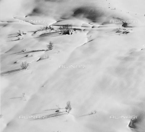 PFA-F-001529-0000 - Paesaggio innevato, Engadina, Canton dei Grigioni, Svizzera - Data dello scatto: 12/1990 - Archivi Alinari, Firenze