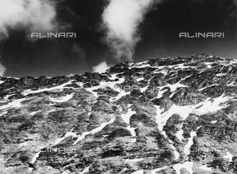 PFA-F-001536-0000 - Paesaggio montano, Engadina, Canton dei Grigioni, Svizzera - Data dello scatto: 04/1990 - Archivi Alinari, Firenze
