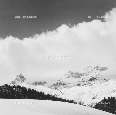 PFA-F-001537-0000 - Paesaggio montano, Engadina, Canton dei Grigioni, Svizzera - Data dello scatto: 12/1990 - Archivi Alinari, Firenze