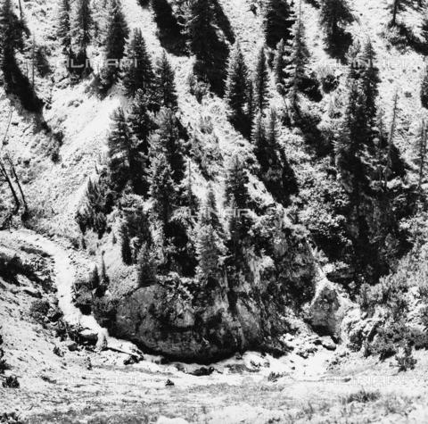PFA-F-001538-0000 - Paesaggio con fiume, Engadina, Canton dei Grigioni, Svizzera - Data dello scatto: 05/1990 - Archivi Alinari, Firenze