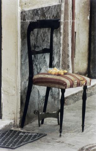 PMD-F-000022-0000 - La sedia racconta - Data dello scatto: 1978 - Mimmo Pintacuda © Fratelli Alinari S.p.A. - Tutti i diritti riservati