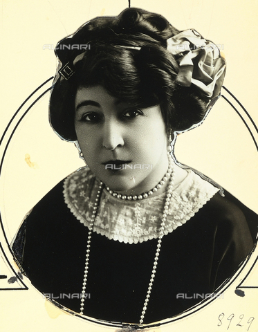 PPA-F-001063-0000 - Ritratto di Madame Edmond Rostano - Data dello scatto: 1920 - 1930 - Archivi Alinari, Firenze