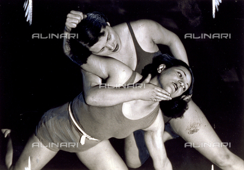 PPA-F-002495-0000 - The Italian and American women wrestling champions during a match