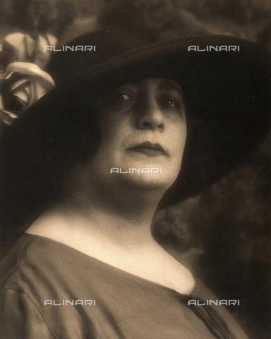 PTA-F-000125-0000 - Ritratto della pianista Sarah Millstein - Data dello scatto: 1920 - 1930 ca. - Archivi Alinari, Firenze