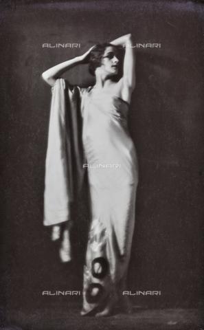 PTA-F-000172-0000 - Portrait of Jia Ruskaja (Evgenija Borisenko 1902-1970), first dancer of the Teatro della Scala in Milan - Date of photography: 1930-1935 - Fratelli Alinari Museum Collections-Pasta Archive, Florence